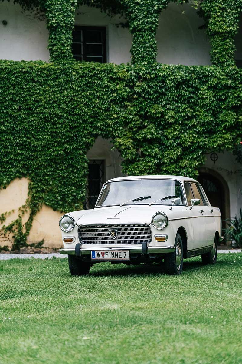 mimo-classics-oldtimervermietung-graz-peugeot-404-04