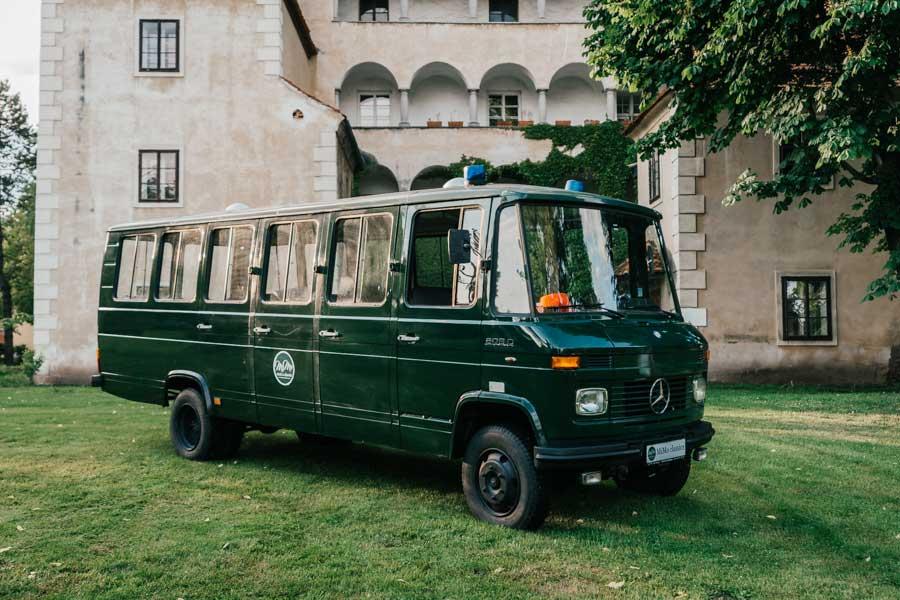 mimo-classics-oldtimervermietung-graz-polizeibus-mercedes